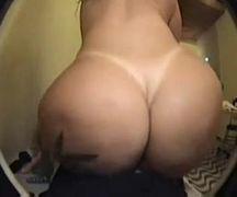 Brasileira jumentona fazendo muito anal
